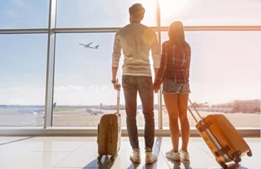 Variantes del COVID-19 amenazan la reactivación del turismo mundial