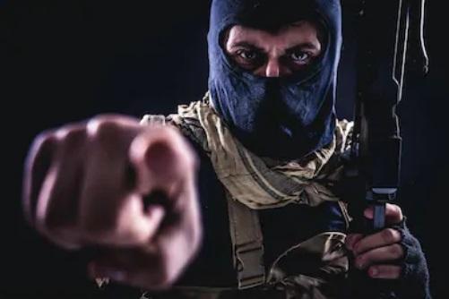 RU: ncidente terrorista el apuñalamiento masivo